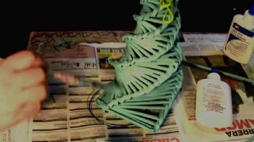 hacer arbol de navidad con nieve artificial